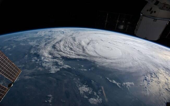 Foto divulgada pela Nasa revela dimensão assustadora do Furacão Harvey sobre os Estados Unidos