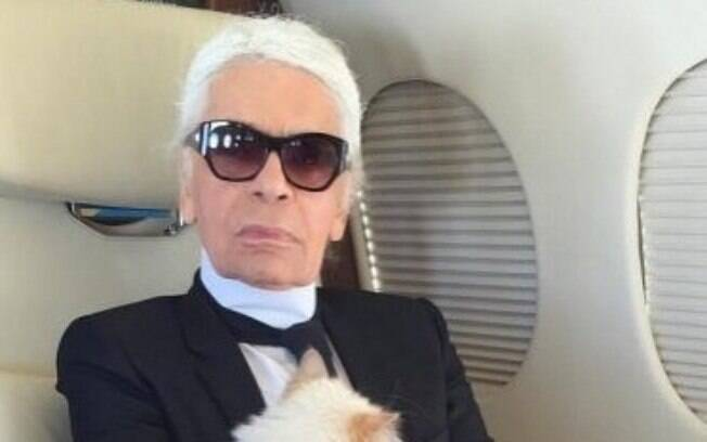 Estilista Karl Lagerfeld, da grife Chanel, morre aos 85 anos em Paris
