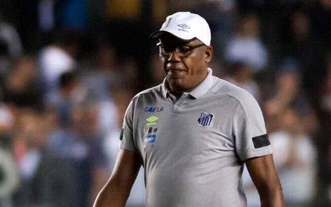 Serginho Chulapa, técnico interino do Santos