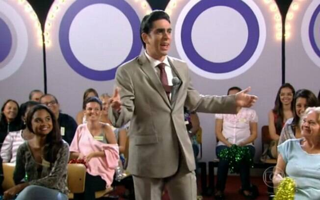 Adnet imitando Silvio Santos em seu novo programa