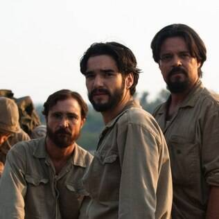 Caio Blat com seus companheiros de cena João Miguel e Felipe Camargo