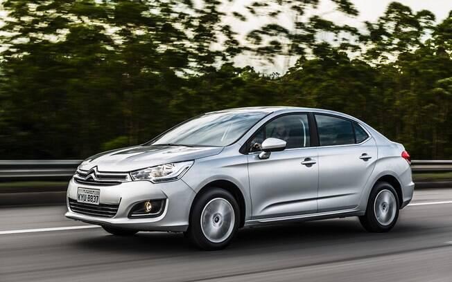 Busca um Citroën C4 Lounge entre os carros seminovos? Invista na versão 1.6 THP que equipa o modelo até hoje
