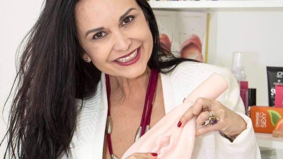 A sexóloga e fisioterapeuta pélvica Lelah Monteiro dá dicas de masturbação