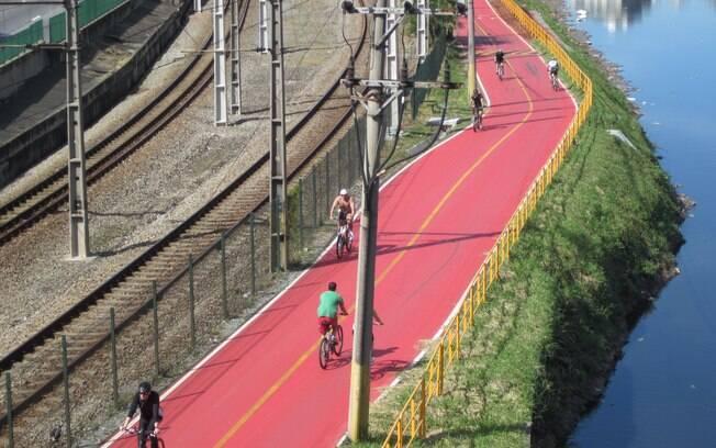 Ciclovia ao lado da Marginal Pinheiros foi reaberta nesta segunda-feira (3)