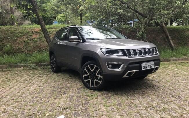 Jeep Compass Limited 2020 está prestes a receber retoques no visual no ano que vem, quando também receberá novo motor flex