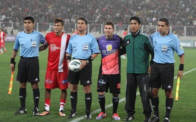 Messi duelou com Neymar em amistoso no começo  de julho deste ano. Os dois foram os capitães de  suas equipes