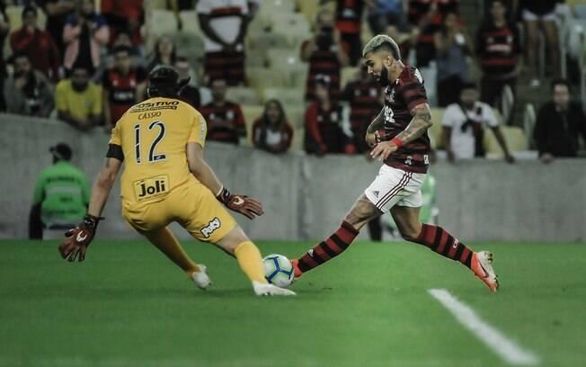 Flamengo venceu o Corinthians por 1 a 0 e avançou na Copa do Brasil