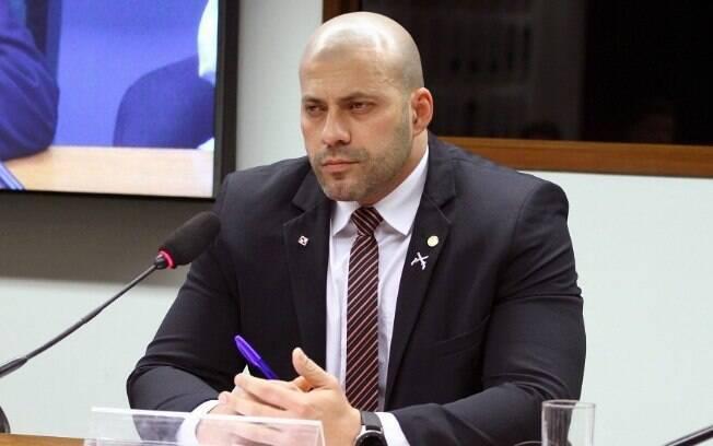Daniel Silveira (PSL-RJ) está em prisão domiciliar por divulgar vídeo com ameaças a ministros do STF