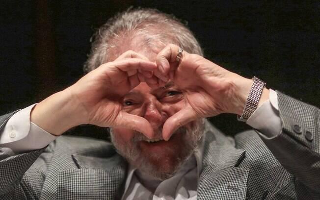 Lula pede liberdade sob alegação de que Moro