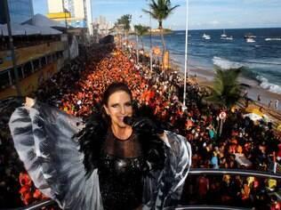O clima de Carnaval já está presente desde o Réveillon, em Salvador
