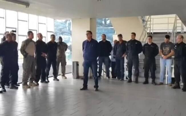 Vídeo que mostrava Bolsonaro no Bope foi publicado pelo candidato nas redes sociais; ninguém da imprensa o acompanhou