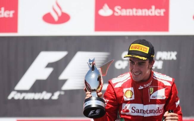 Ferrari - Fernando Alonso - espanhol tem dois  títulos mundiais e promete mais uma bela briga  pelo primeiro lugar neste ano