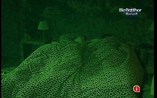Brothers do Quarto Selva descansam após noite agitada