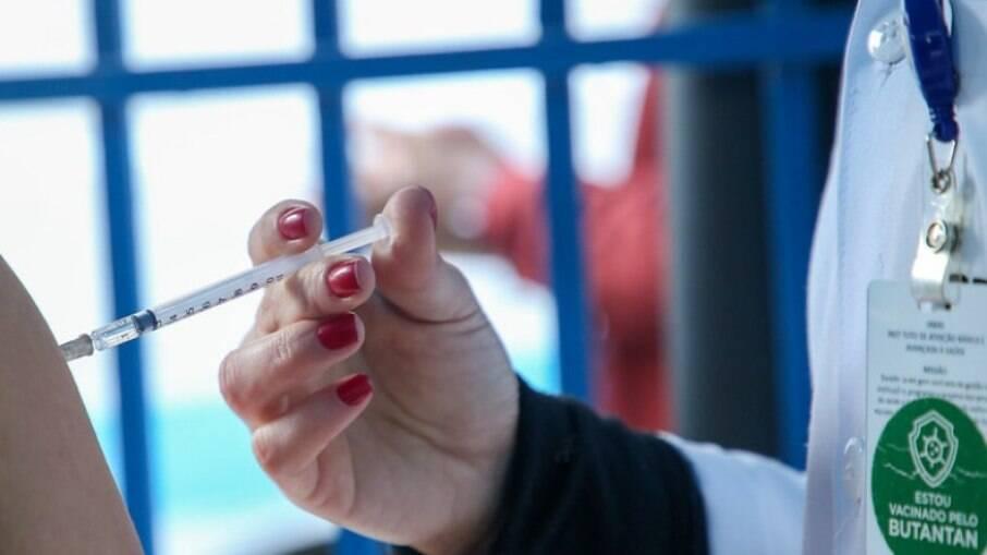 Hortolândia começa hoje a vacinar moradores com mais de 26 anos