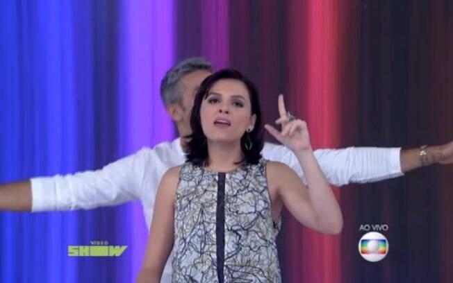 Monica Iozzi e Otaviano Costa dublam tema de 'Titanic' no 'Vídeo Show'