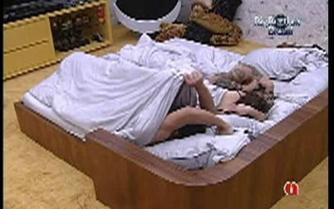 Brothers tem dificuldade para levantar da cama nesta manhã de domingo (15)
