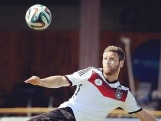 Zagueiro foi convocado para lugar de Reus, que também sofreu uma lesão antes da Copa