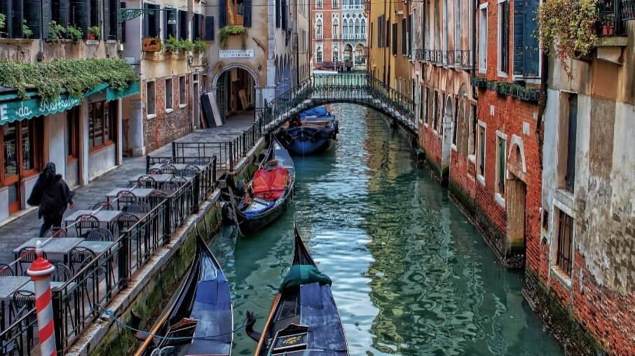 Veneza e outras cidades ao redor do mundo construídas sobre a água