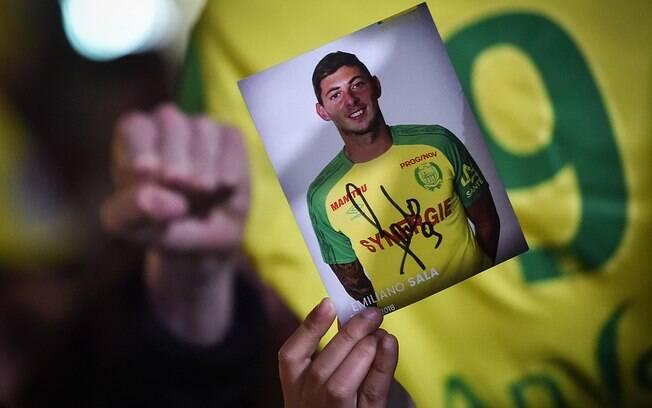 Torcedores do Nantes fizeram homenagem a Emiliano Sala
