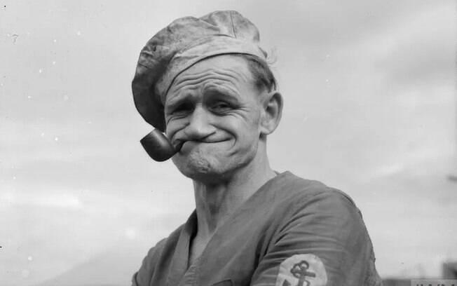 Marinheiro dos anos 1940 é confundido com Popeye