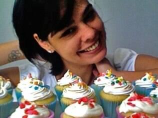 A chef confeiteira Fernanda Blandino sofre muito com seus erros