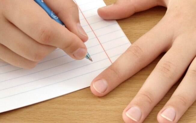 Materiais de uso coletivo não podem mais figurar nas listas das escolas enviadas aos pais