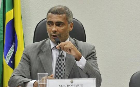 """""""Ladrão, corrupto, safado e agora mentiroso"""", diz Romário sobre Del Nero - Futebol - iG"""