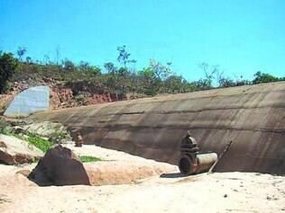 Calamidade. Leito do rio seco é o retrato trágico da crise vivida pelos moradores de Formiga