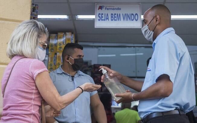 Setor do varejo armazena déficit de R$ 873,4 bilhões durante a pandemia, revela CNC