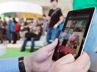 Tablets, como Nexus 7, se tornaram companhia dos americanos na hora de assistir TV