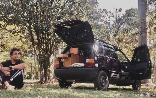 Morador de Nova Odessa transforma Uno em motorhome para chegar aos EUA