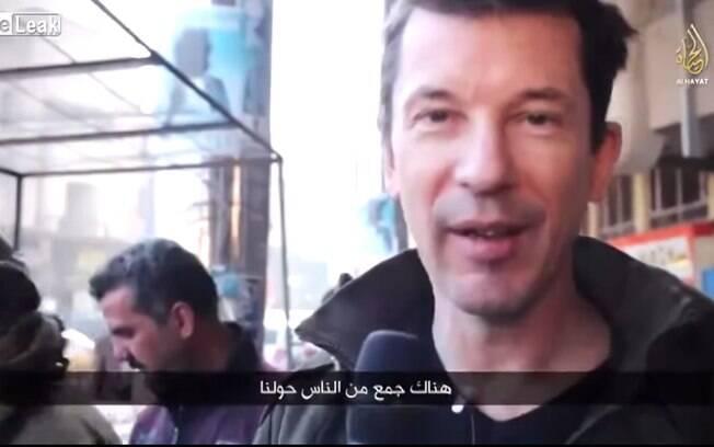 John Cantlie aparece em vídeo do Estado Islâmico em Mosul, Iraque, antes de ser capturado e decapitado . Foto: Reprodução/Youtube
