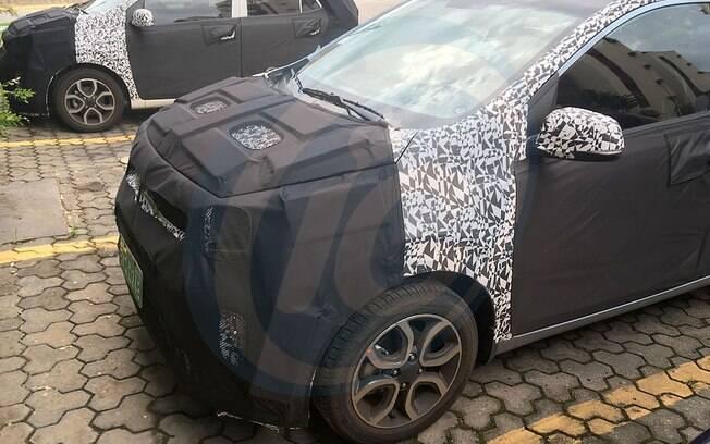 Hyundai testa unidades disfarçadas do novo Kia Picanto no Brasil, para ajudar no desenvolvimento do futuro HB10