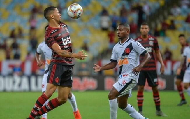 Vasco e Flamengo se enfrentam neste sábado