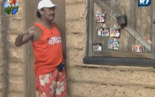 Compadre Washington apresenta mural de fotos de Marlon