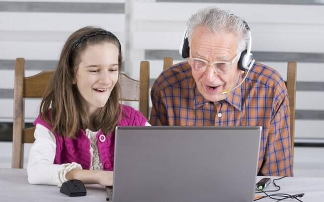Tente entender um pouco do universo da criança. Isso inclui computadores, DVDs e videogames. Foto: Thinkstock/Getty Images