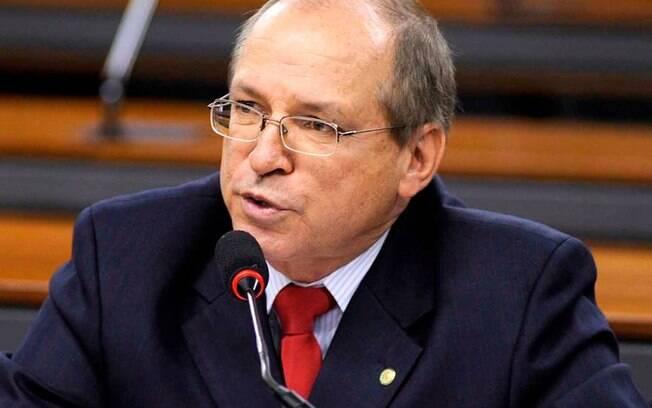 Deputado federal pelo PP da Bahia, Roberto Britto é investigado no inquérito que envolve outras 37 pessoas