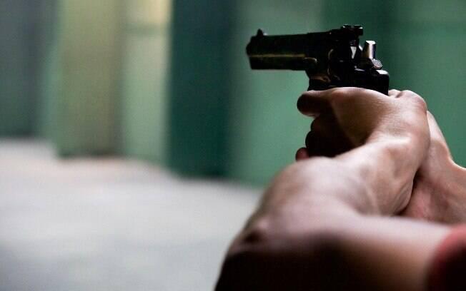 Além de prever licença para o porte de arma, o PL 3.722/2012 possibilita o registro permanente de até seis armas