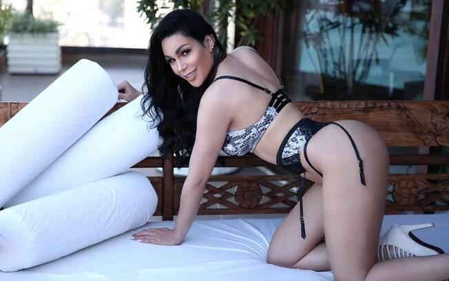 A modelo Aline Castro é a nova estrela de um dos maiores sites de ensaios sensuais da America Latina, o Diamond Brazil