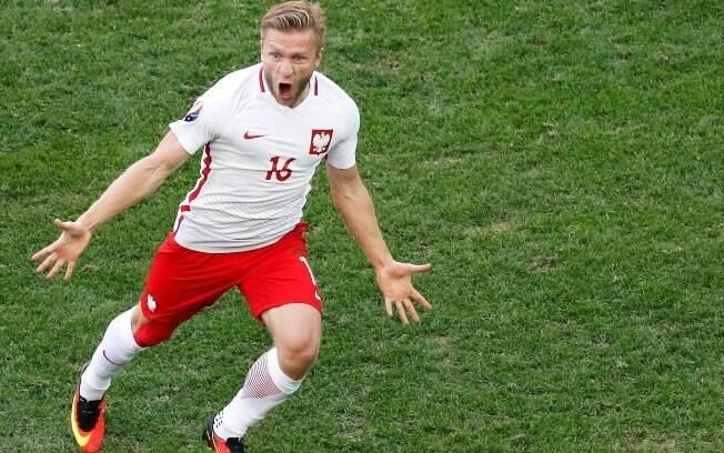 Polônia abrirá oitavas de final diante da Suíça neste sábado