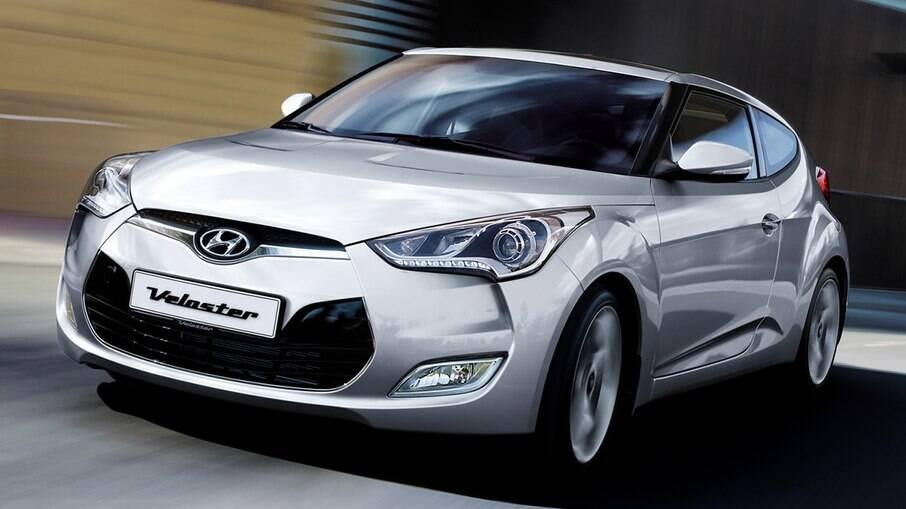 Hyundai Veloster da primeira geração foi vendida no Brasil, mas o visual arrojado não condizia com o desempenho do carro