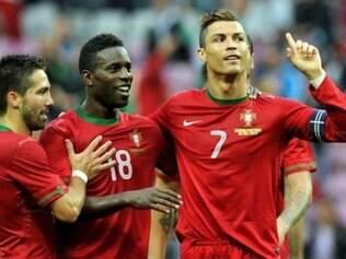 Portugal, de Cristiano Ronaldo (foto), ou Suécia, de Ibrahimovic, ficará de fora da Copa do Mundo
