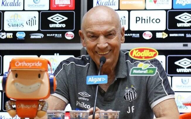 Jesualdo Ferreira, técnico do Santos