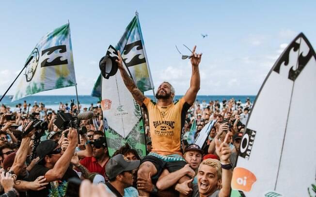 Italo Ferreira conquistou o título mundial de surfe
