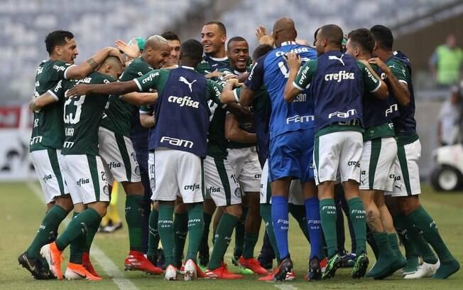 O Palmeiras venceu o Atlético Mineiro por 2 a 0 com dois gols de Bruno Henrique