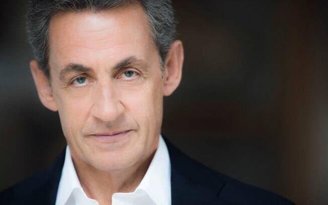 Ex-presidente francês, Nicolas Sarkozy está detido nesta terça-feira para prestar depoimento, informou o Le Monde