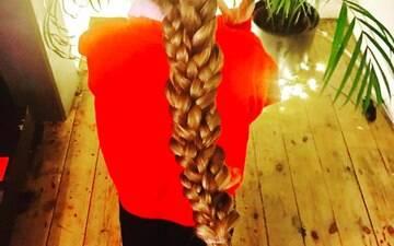 Pai faz sucesso na web ao compartilhar os penteados que faz na filha