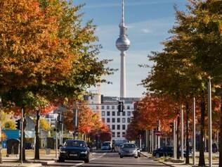 Um dos pontos mais concorridos pelos turistas é Fernsehturm (ou torre da TV)