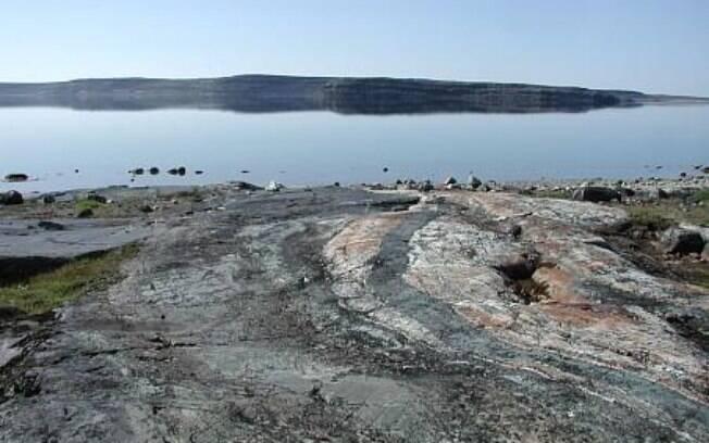 Microrganismos foram achados nas rochas de Nuvvuagittuq, conhecidas por estarem entre as mais antigas da Terra