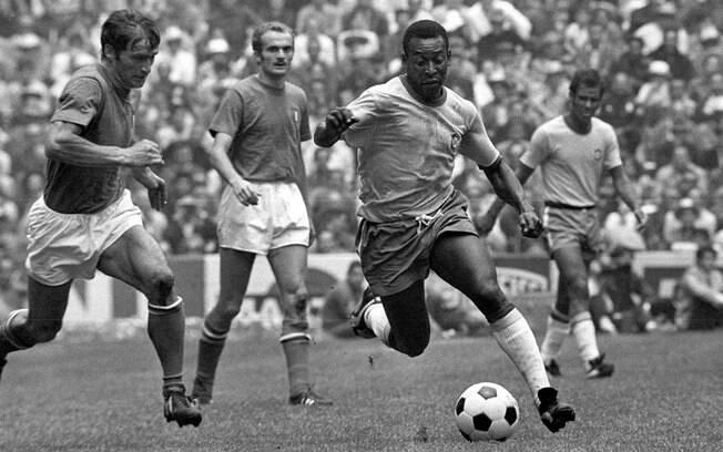 Pela seleção brasileira, Pelé conquistou três Copas do Mundo e fez 95 gols, mais do que qualquer outro jogador. Foto: Site oficial